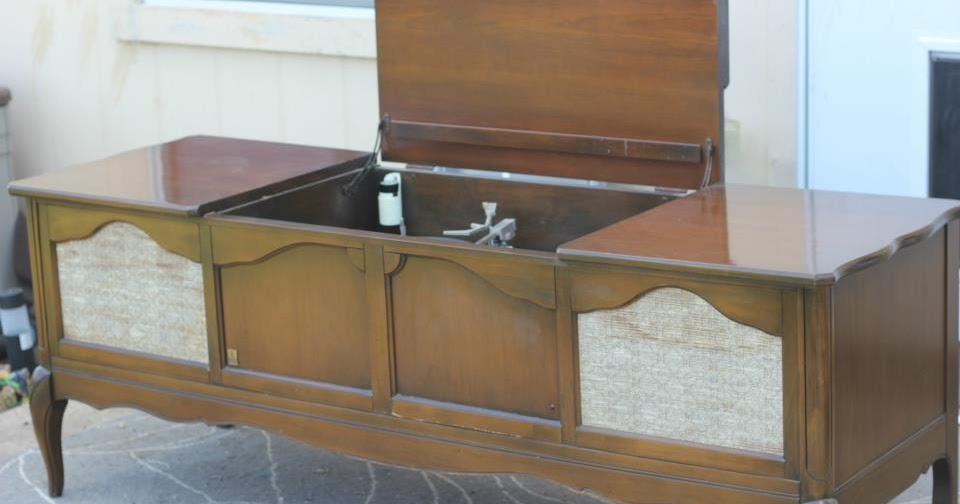 Crafty Things...: Repurposed Stereo Console
