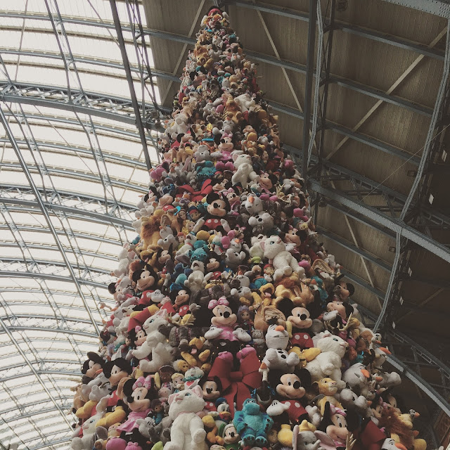 Instagram Blog Catch Up Christmas Tree St Pancras Disney Characters London