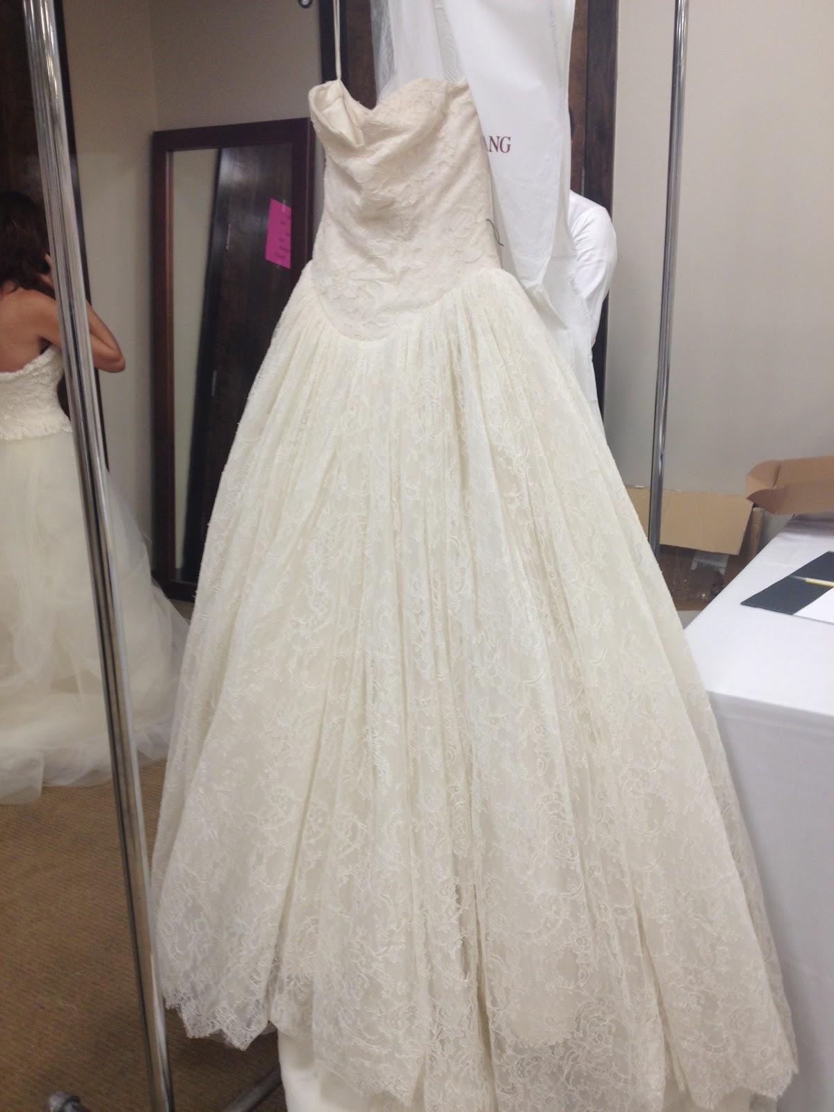 Vera Wang Bridal Sample Sale Nyc - Wedding Dresses In Redlands