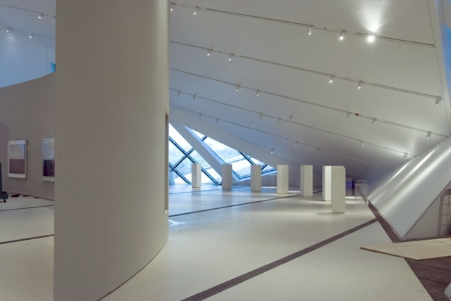 Royal Ontario Museum by Studio Daniel Libeskind and empty interior space