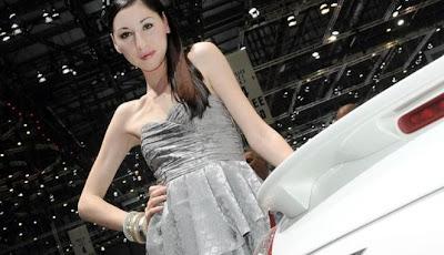 Gambar Mobil Gadis Cantik Geneva Motor Show 2011 (2)