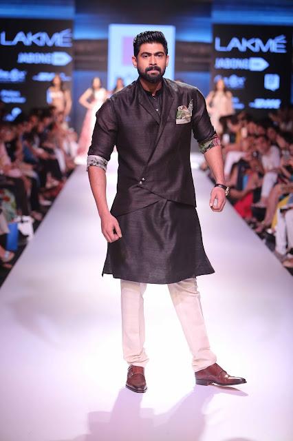 JJValaya-BMW-Indian-Bridal_Fashion-Week-orange-saree