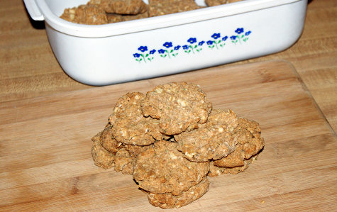 Homemade Dog Treat Recipe - DIY Dog Biscuits