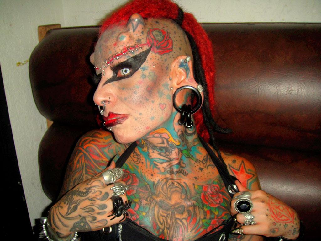 Yaptırdığı dövme hayatını kararttı
