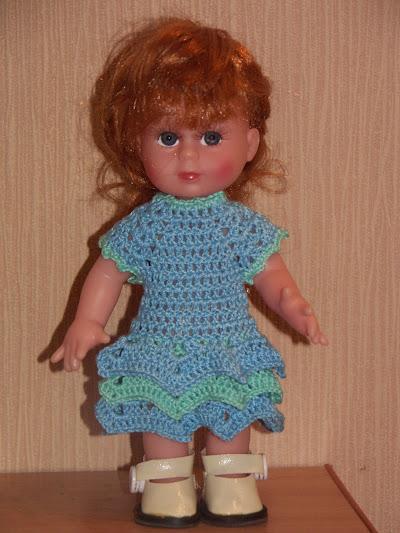 Простое платье для куклы крючком для начинающих
