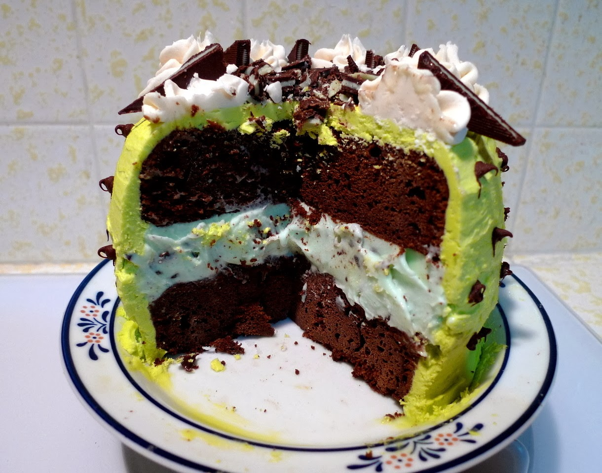 SWEET AS SUGAR COOKIES: Mint Chocolate Chip Ice Cream Cake