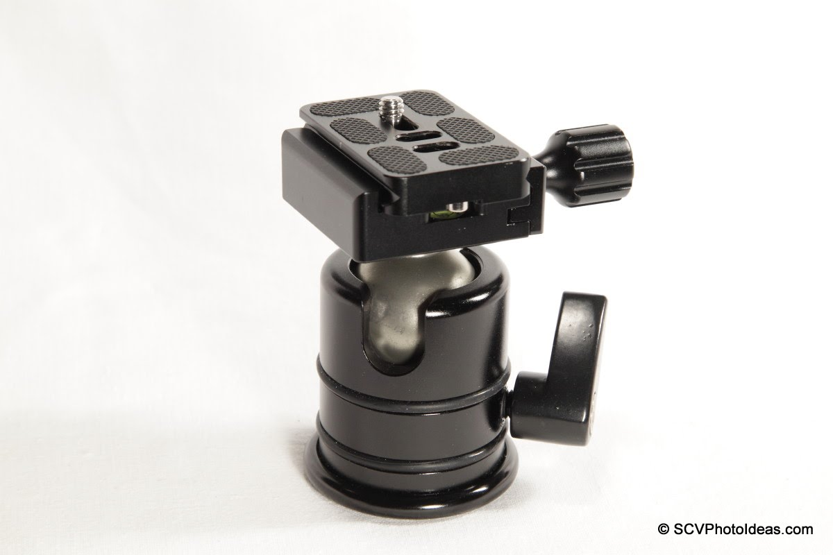 Desmond DAC-01 QR Clamp on Triopo RS-3 ball head w/ centered Arca plate