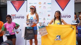 Pódio feminino: Glauciele de Oliveira de Souza (1º lugar), à direita Teresa Madalena Costa da Silva (2º lugar) e Isis da Costa Silva (3º lugar)