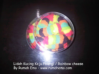 Kue Kering Lidah Kucing Rainbow (Pelangi)