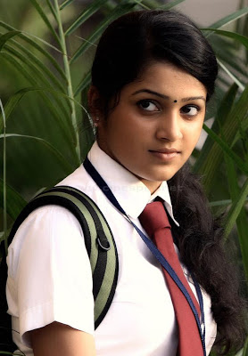 Shenoy Malayalam Actress Cute Photo,Samskruthy Shenoy Actress Photo ...