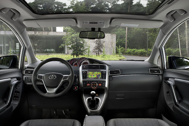 Tha New Toyota Verso interior