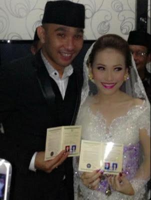 Foto pernikahan Ayu Ting Ting dan Enji