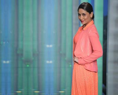 Kareena+Kapoor+Transparent+Dress+Show+Bra002