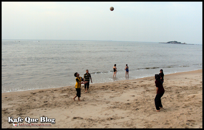 bola tampar pantai, paradise sandy beach resort