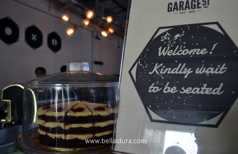 garage 51 malaysia. sebenarnya pemilik cafe ini mendapat ilham semasa sedang minum di australia dan membawa idea tu ke malaysia tengokk korang dah jimat garage 51