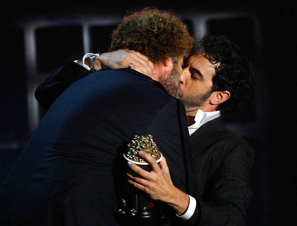 геи только поцелуи