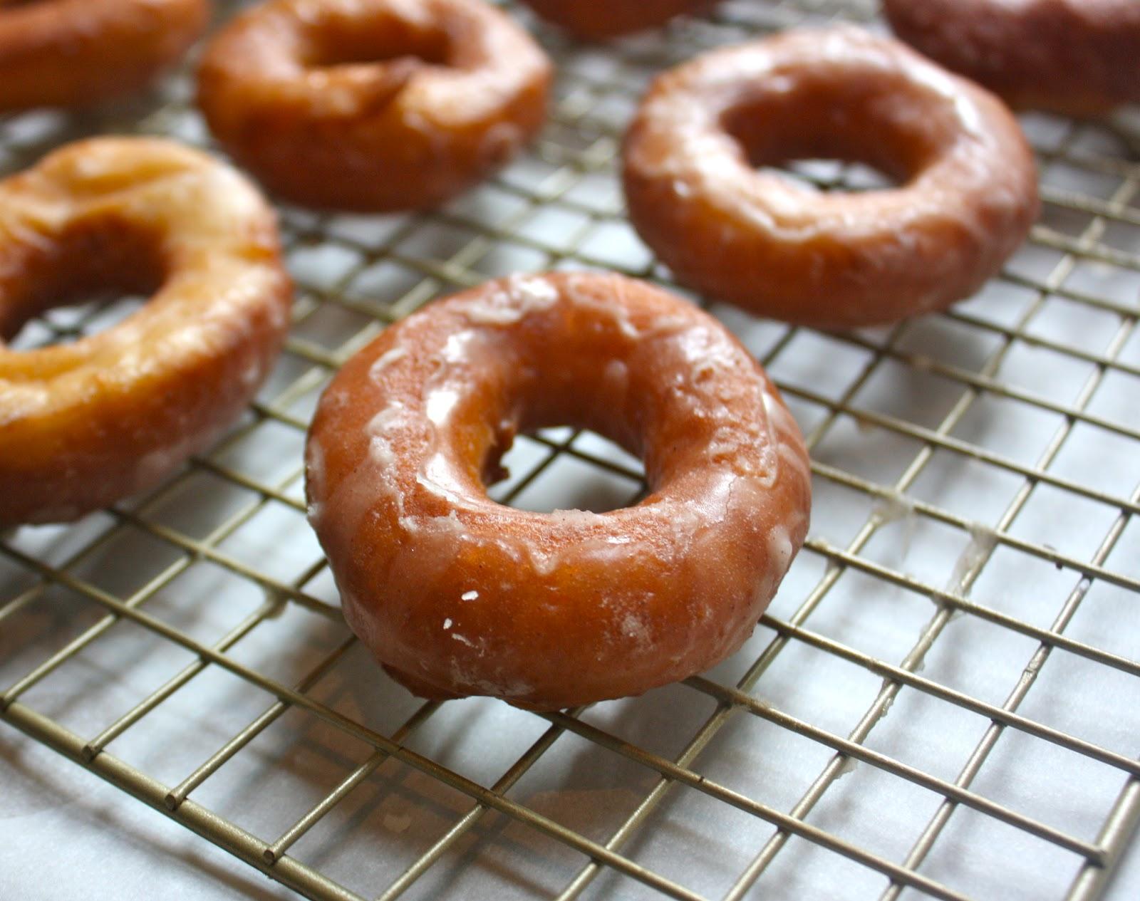 Cannella Vita: apple cider doughnuts
