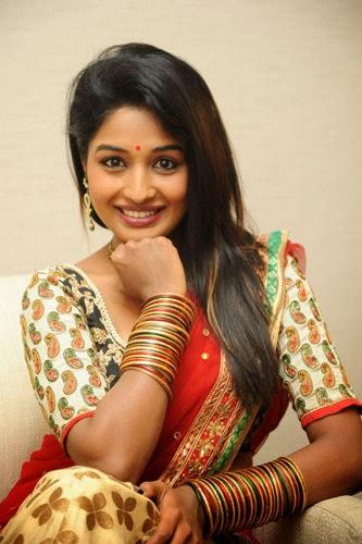 Esha Ranganath Actress New Photos