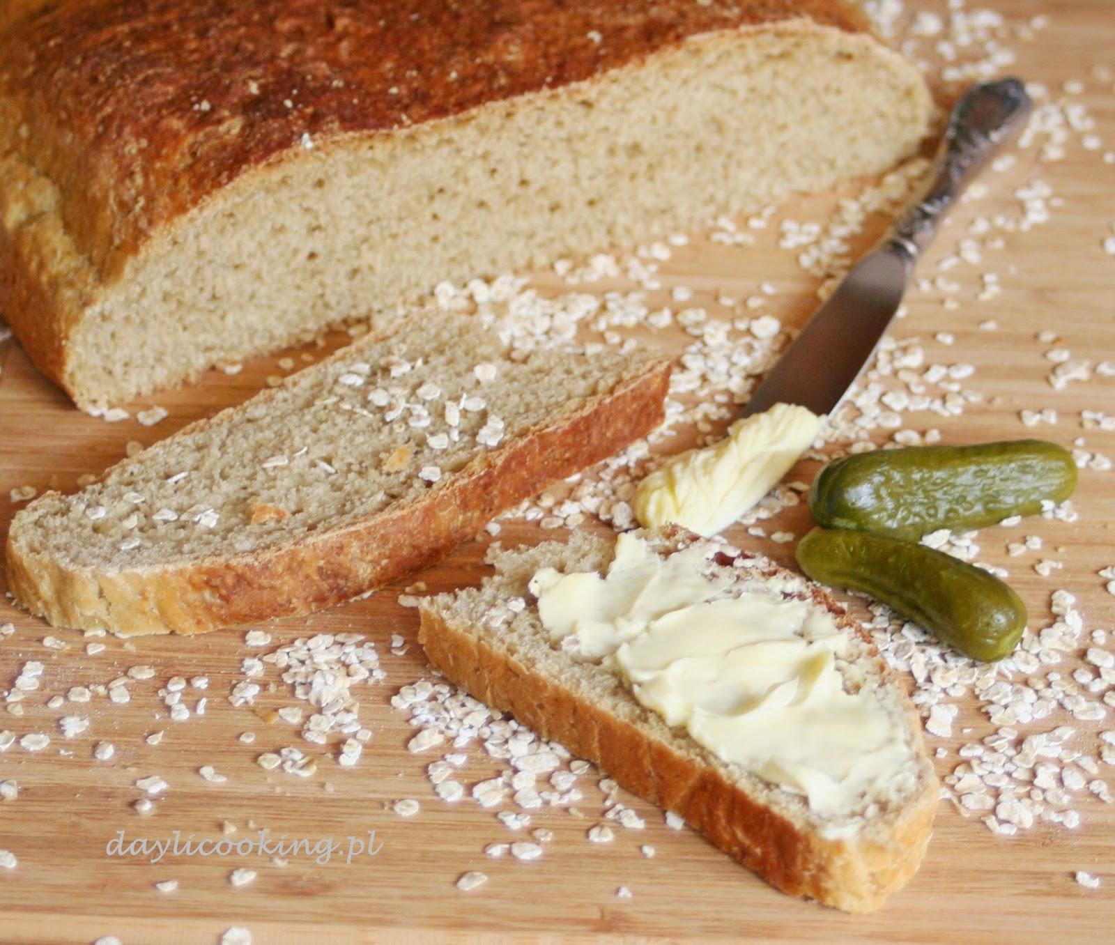 Chleb pszenny na płatkach owsianych