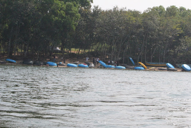 Coracles parked in Meenakshipura shores