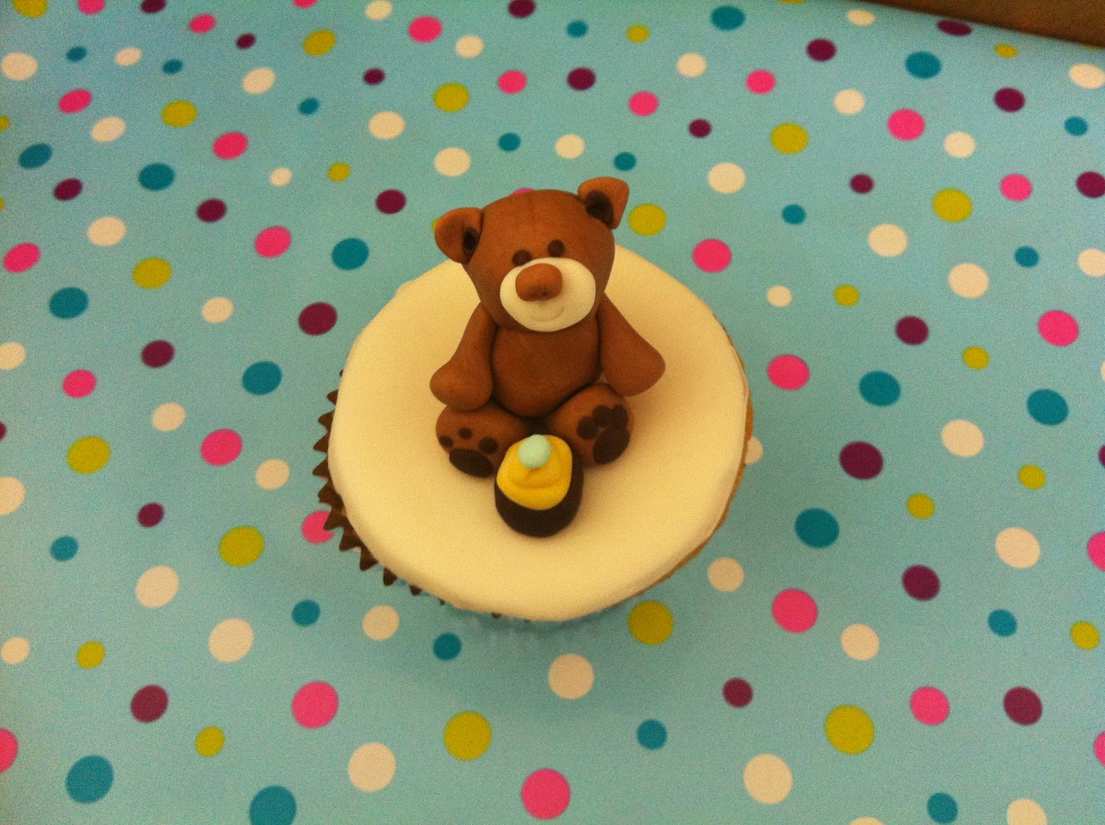 Cake Decorating Course Croydon : Making fondant teddy bear cupcakes and more..