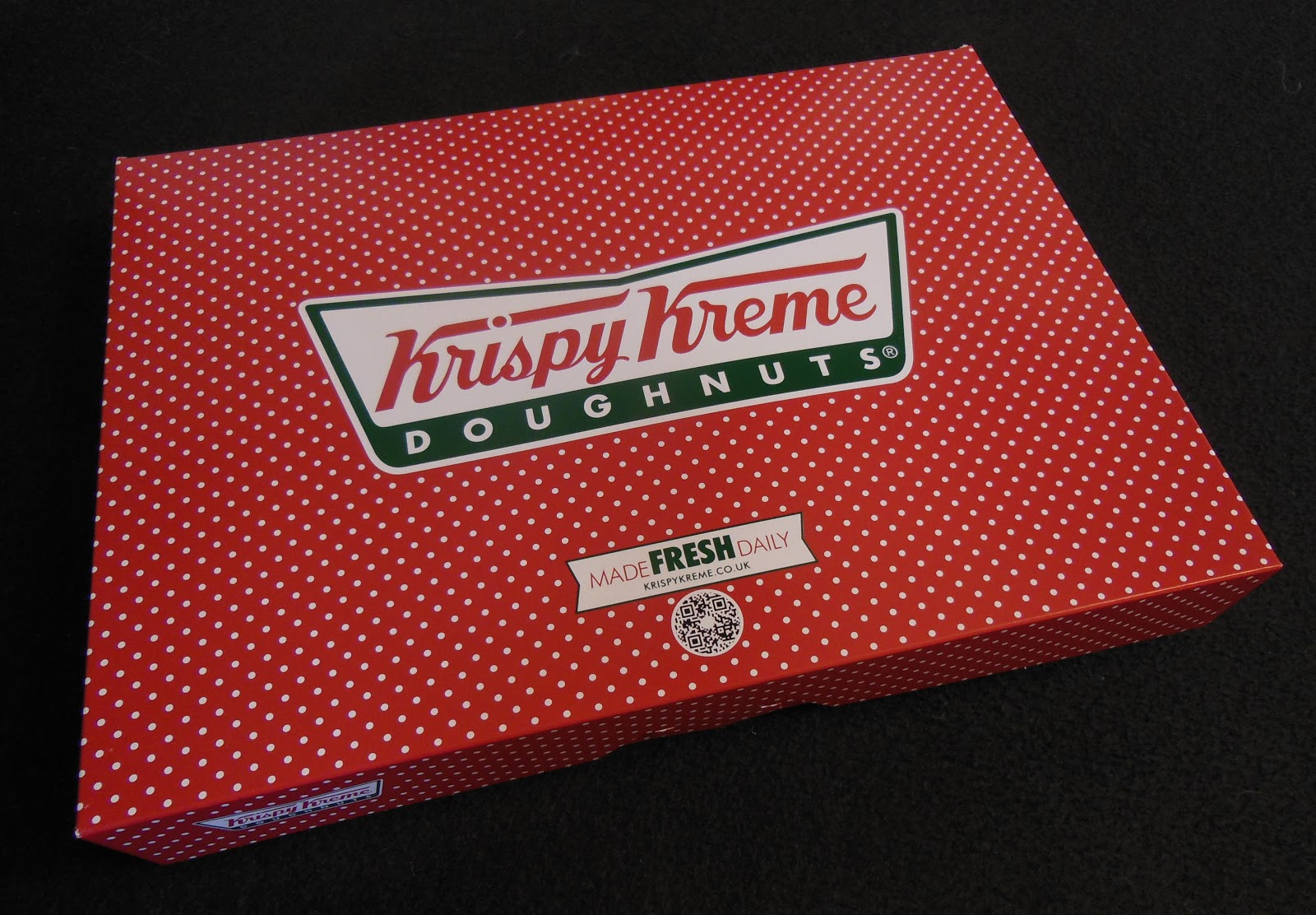 yesterday morning i was greeted by the most wonderful surprise on my doorstep a hand delivered box of christmas krispy kreme - Krispy Kreme Christmas Hours