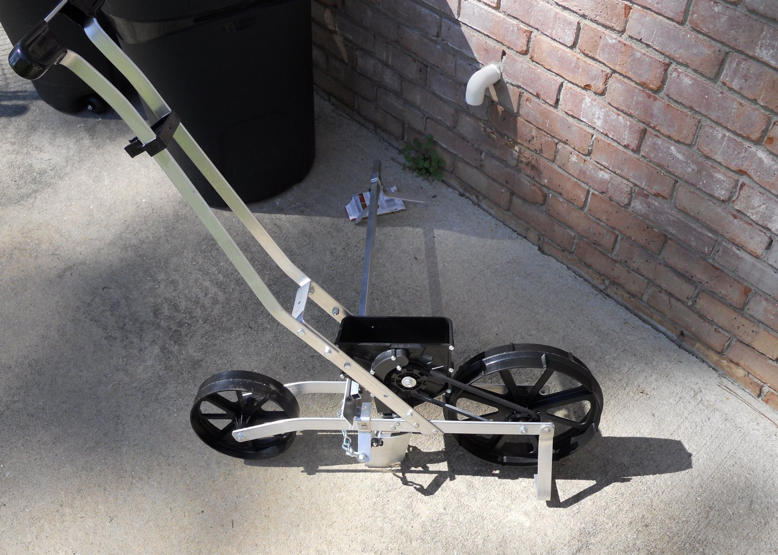Georgia Home Garden Earthway Precision Garden Seeder Review