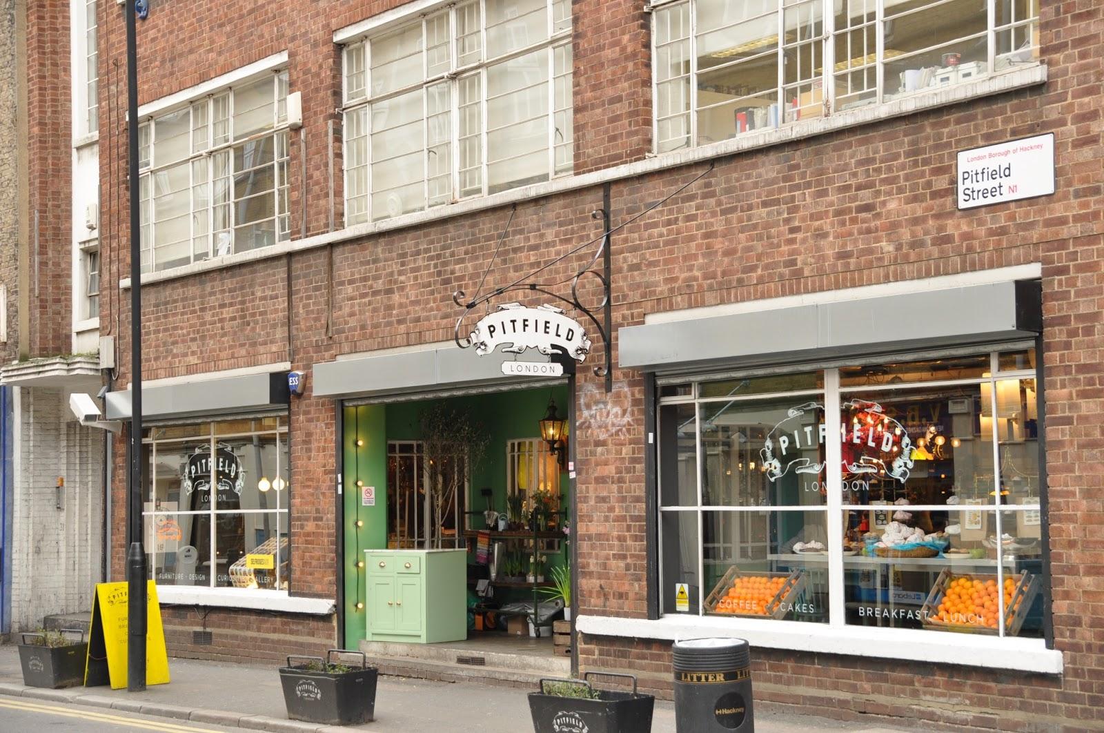 http://3.bp.blogspot.com/-KlL0YoqF0fI/USZ2LkDHeyI/AAAAAAAAHqc/qV7JwjcI9Ys/s1600/Pitfield+London+Old+Street.JPG
