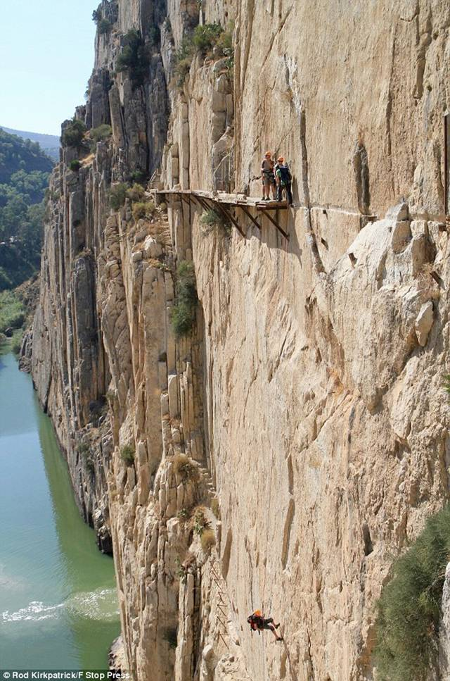 ElCaminoDelRey 006 - The Most Dangerous Path in the World