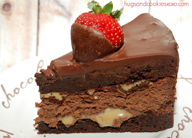 TRIPLE LAYER CHOCOLATE DIPPED STRAWBERRY CHEESECAKE - Hugs and Cookies ...