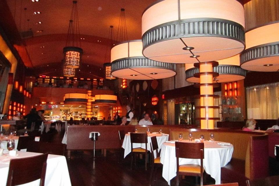 Bobby flay 39 s bar americain in nyc food marriage for Bar americano nyc