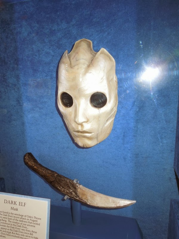 Thor 2 Dark Elf mask dagger prop