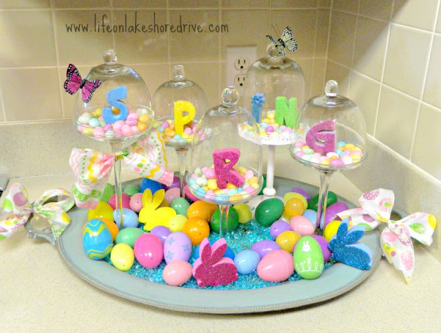 spring decor in the kitchen, Annie Sloan Chalk paint, duck egg blue, coco, Easter eggs, mini cupcake stands, jelly beans, butterflies