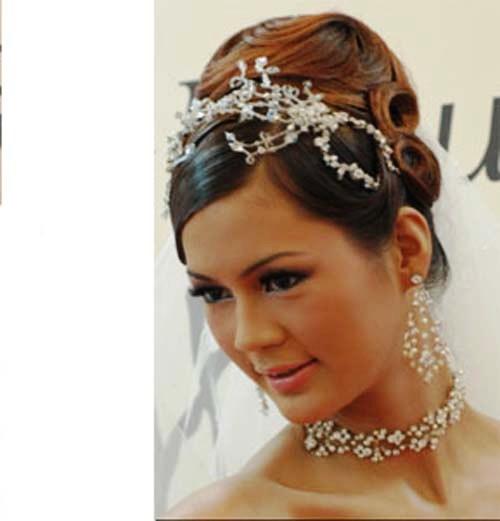Свадебные прическа с диадемой фото пошаговая инструкция