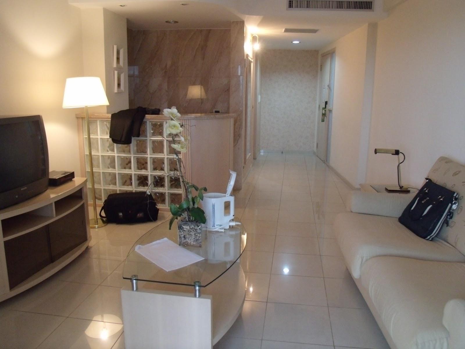 hotel Saint Paul. Muito linda com banheira 2 banheiros cozinha #966D35 1600x1200 Acessorios Banheiro Hotel