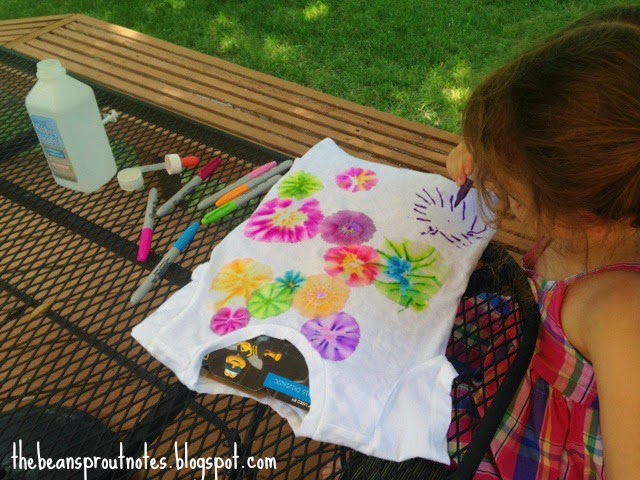 d356ddf91644 ... like going to the grocery store while Daddy stays home with baby.  Sometimes we go to the pool or do a craft. This week we made sharpie tie  dye shirts.