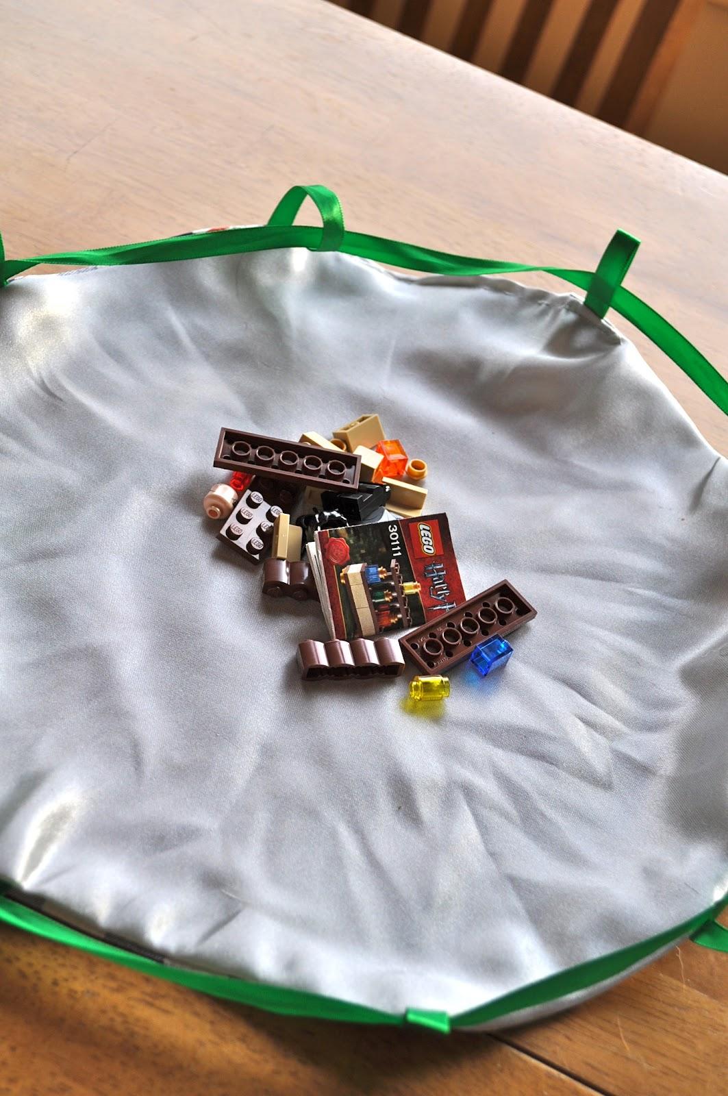 make a lego bag mat little house big alaska. Black Bedroom Furniture Sets. Home Design Ideas