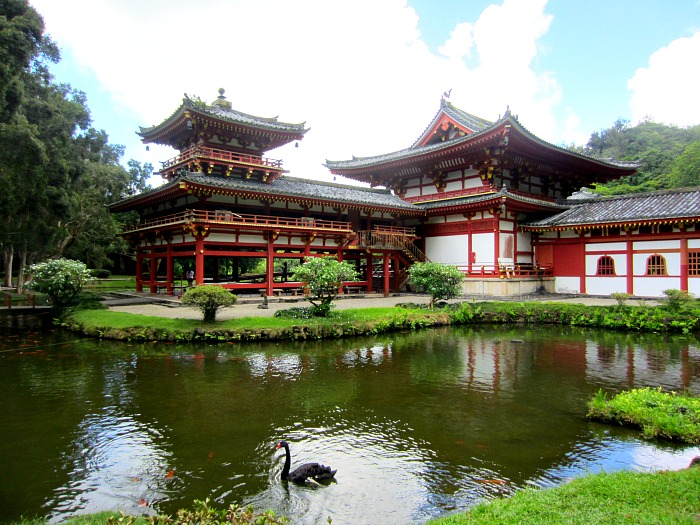 Valley of the Temples | A beautiful and peaceful place to visit in Oahu - clubnarwhal.blogspot.com