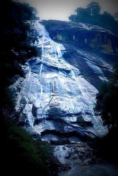 Catatan Perjalanan Gunung Stong Part 1