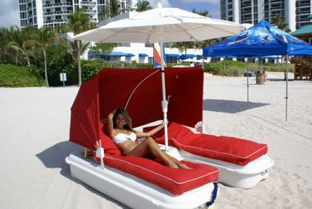 Seaduction Floating Cabana