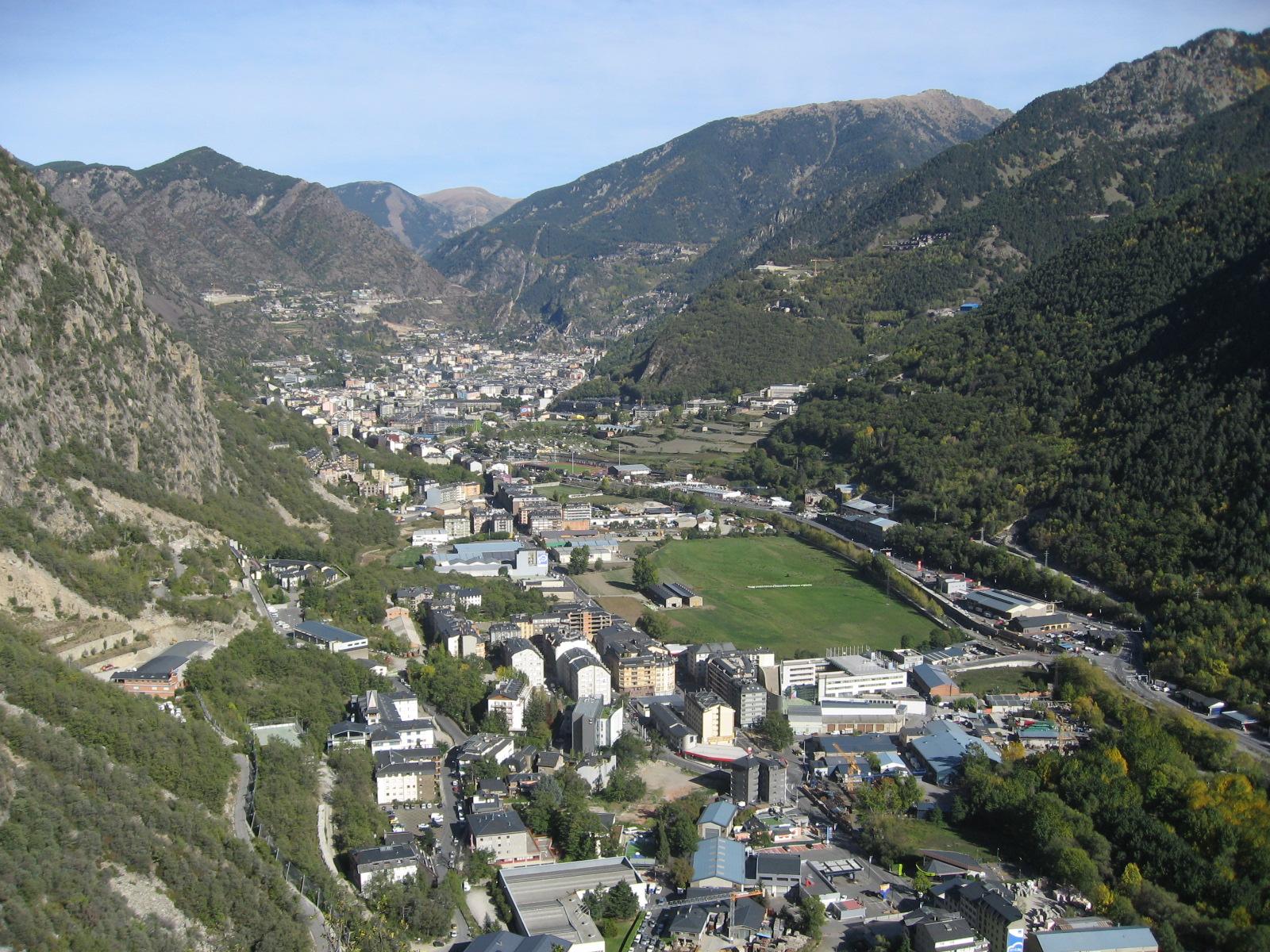 Los viajes de coco y etc proxima escapada a andorra y caldea - Andorra la vella apartamentos ...