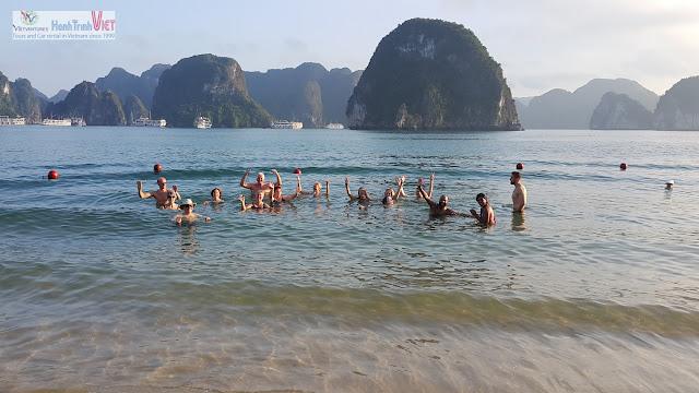 Bãi biển Ti Top, Hạ Long một ngày nắng đẹp