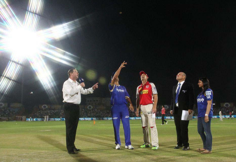 Rahul-Dravid-Adam-Gilchrist-RR-vs-KXIP-IPL-2013
