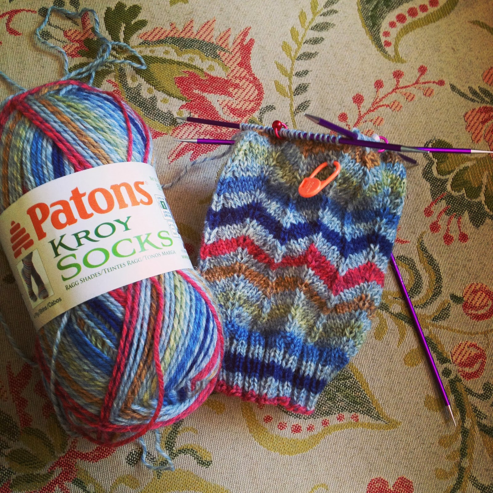 Chevron Knitting Pattern In The Round : Susan B. Anderson: Happy Valentines Day + a Mollie Makes Giveaway + more!