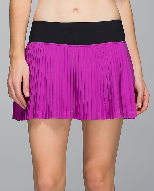 lululemon ultraviolet pleat to street skirt