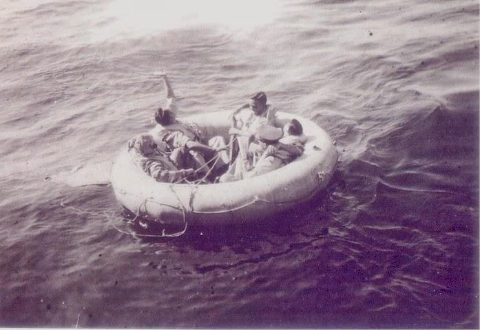как выжить на лодке в море