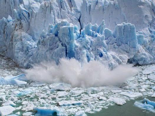 Iceberg rompiendo