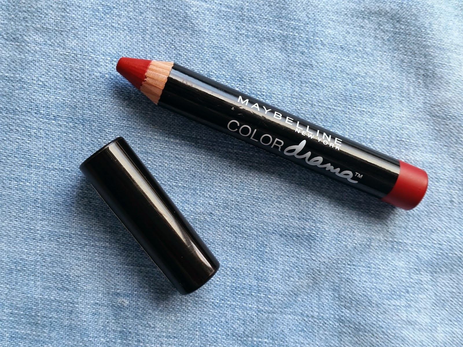 Maybelline Color Drama Velvet Lip Pencil