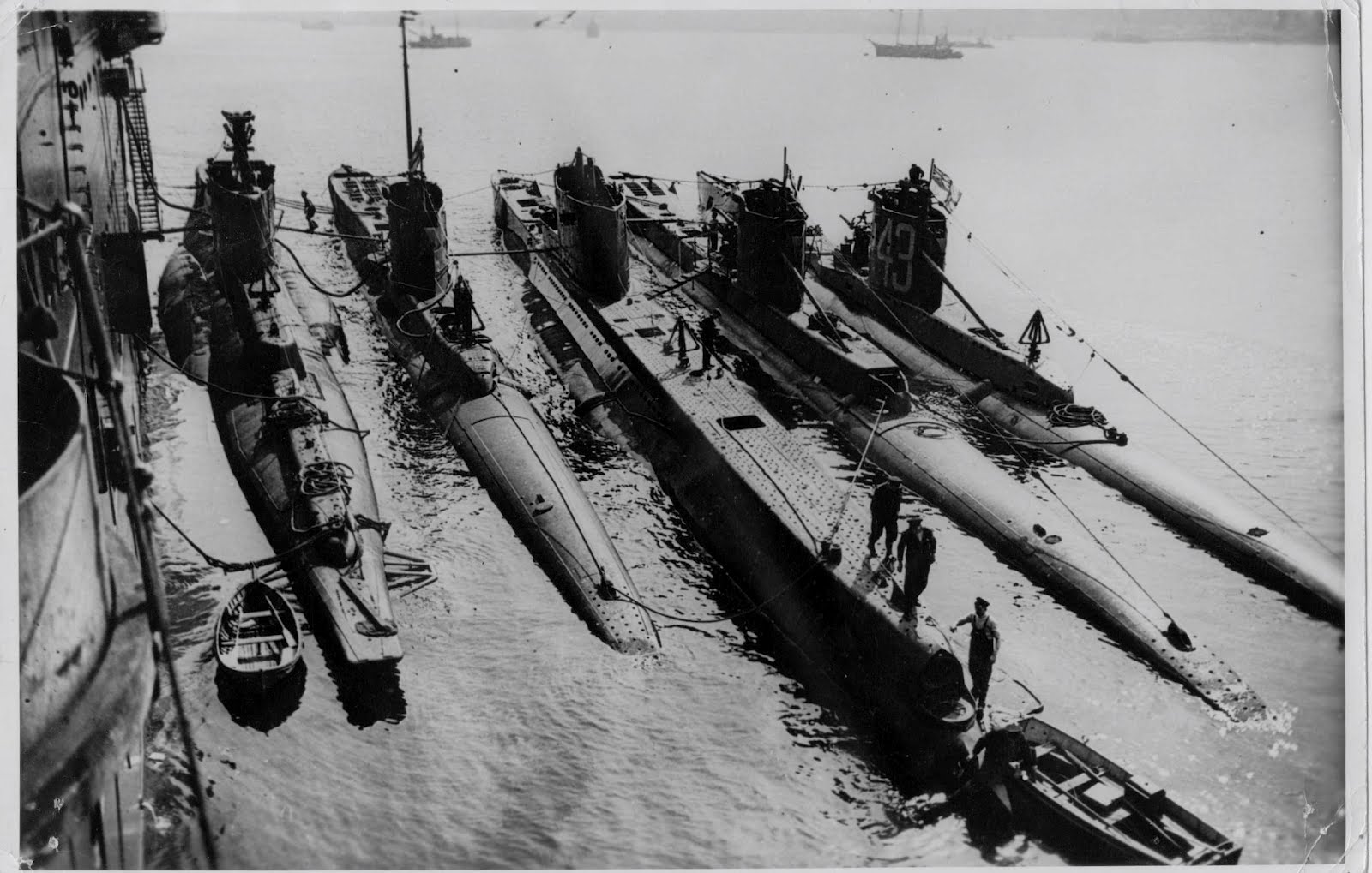 submarines in world war ii essay Although the difference, in the wwi technology and wwii's were monstrous, in world war ii the submarines were much more advance according to americanhistoryedu, world war ii submarines had a bigger hull so the submarines could go deep in the wa.