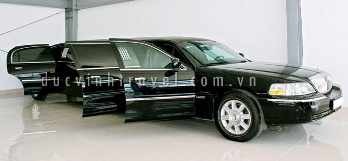Cho thuê siêu xe Lincoln Limosine màu đen lịch lãm 1
